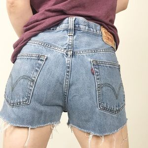 VINTAGE LEVI'S 505 High Waist Cutoff Shorts 33
